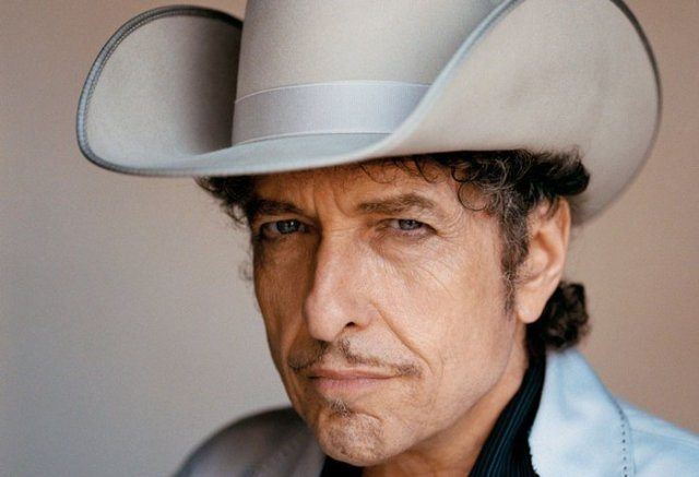 Нобелевскую премию Бобу Дилану решено вручить весной наконцерте