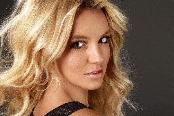 Бритни Спирс показала первую версию клипа натрек «Make Me…»