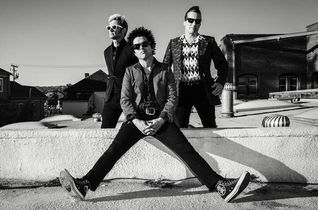 Green Day выпустили клип «Troubled Times»