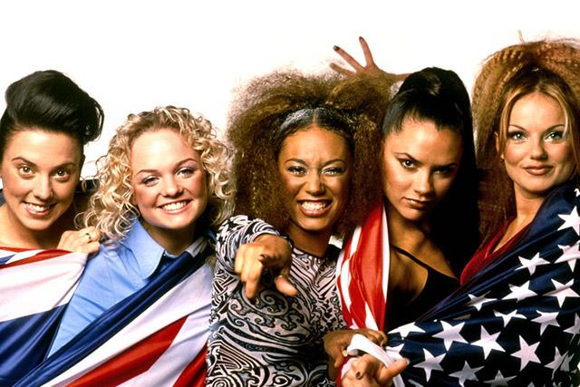 Die Spice Girls spais gɜlz sind eine fünfköpfige britische PopGirlgroup Die Band formierte sich 1994 in London und veröffentlichte 1996 bei Virgin Records