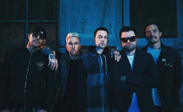 Hollywood Undead представили клип «Gotta Let Go»